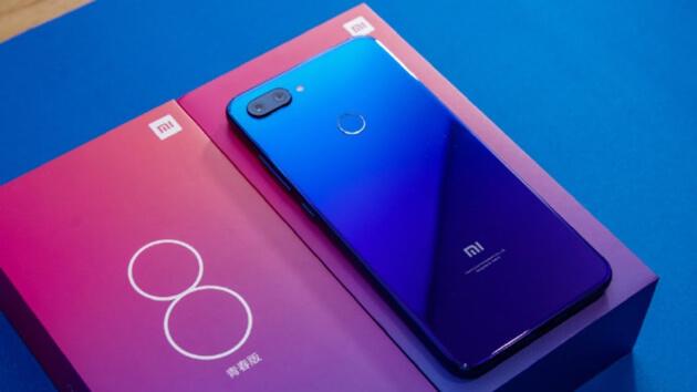Xiaomi Mi 8 Lite может выйти в новом цвете и получить 8 ГБ оперативной памяти